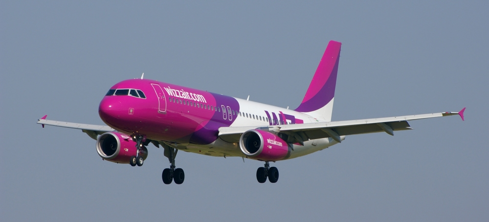 Airbus_320-200_Wizz_Air_2.JPG